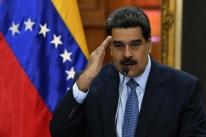 Sem apoio, Maduro toma posse para novo mandato