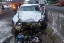 Colisão com morte entre carro e caminhão causa sete quilômetros de lentidão na BR-116