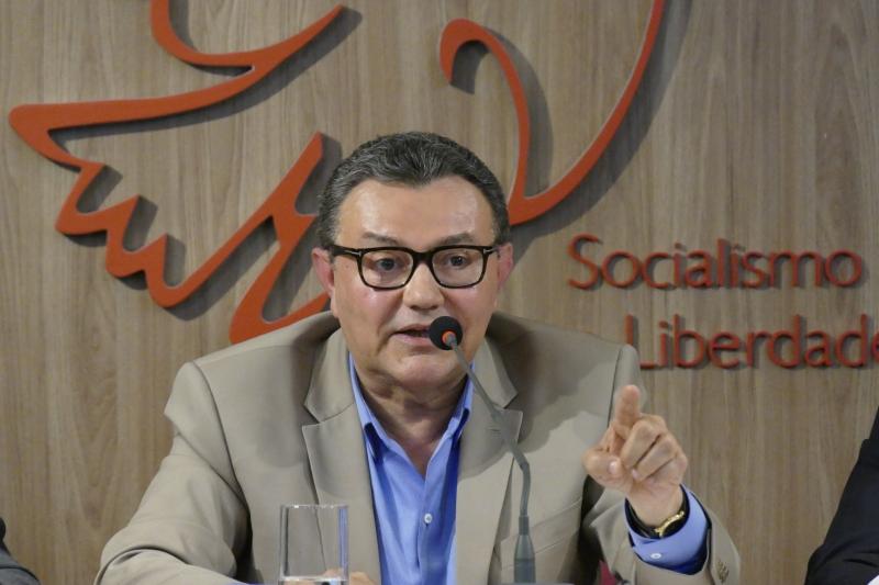 Siqueira criticou Rodrigo Maia por não discutir decisão com aliados