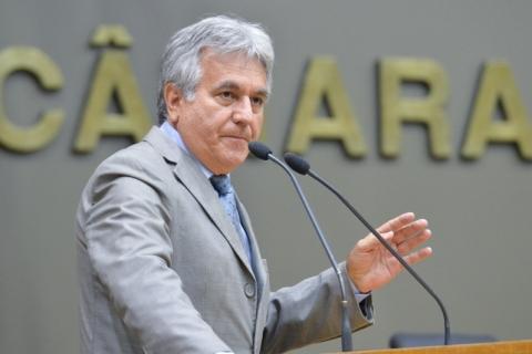 Mesa Diretora cumpre cassação de Nelcir Tessaro