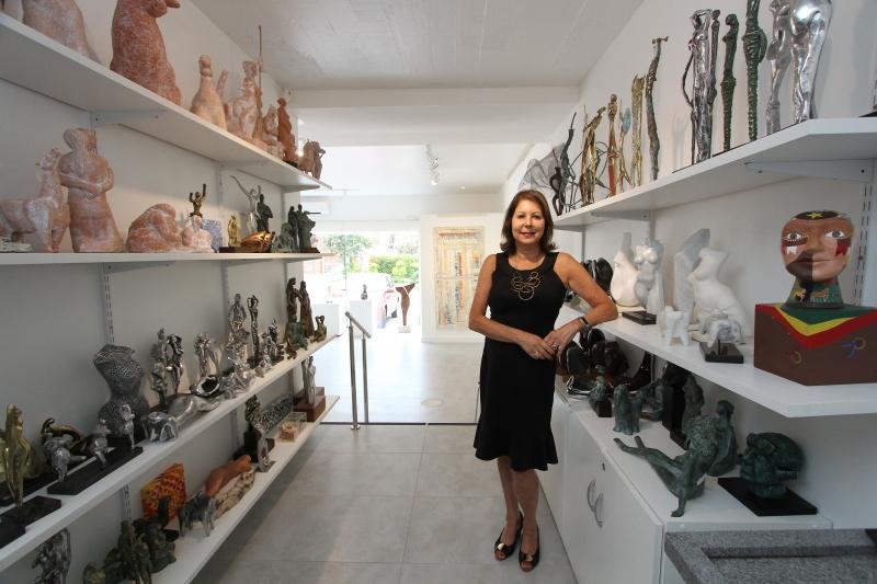 Regina diz que a galeria Gravura explora a temporada de veraneio