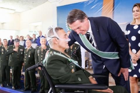 Agendas e afagos com militares dominam largada do governo Bolsonaro