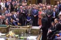 Em derrota histórica para May, parlamento britânico rejeita acordo do Brexit