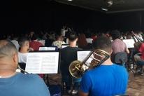 Calor, chuva e músicos de todas as partes invadem Pelotas, na Região Sul do Estado