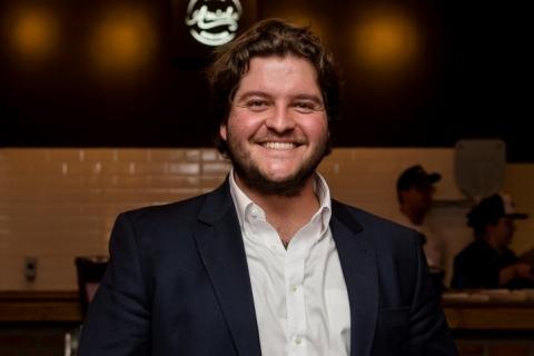 Fernando Martins é dono da pizzaria Amiche, em Atlântida