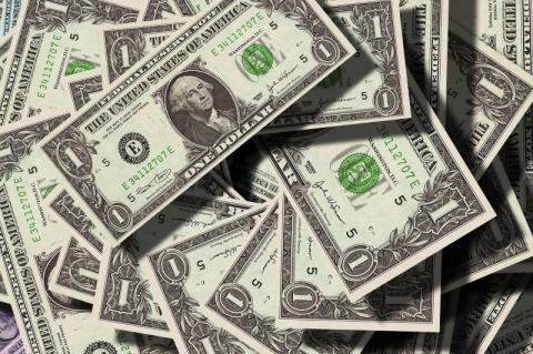 Dólar vai a R$ 3,98 com crise na Argentina, maior valor em mais de dois meses