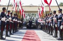 Mourão evita holofotes em cerimônia de troca de comando da cavalaria no Rio