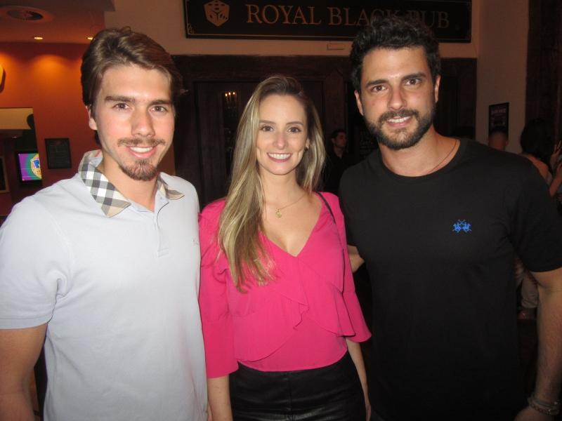 QUINTAS - Legenda 1: Thomas Oderich, Mariana Lopes e Matheus Dutra no projeto Quintas Inside