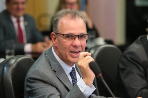 Ministério lança programa de estímulo à concorrência de combustíveis