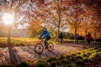 Projetoleva turistas acinco roteirosde bicicleta pela região