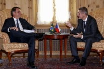 Bolsonaro realiza reuniões bilaterais em Davos