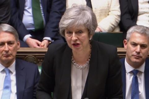 May pede mais tempo a parlamentares para chegar a acordo do Brexit