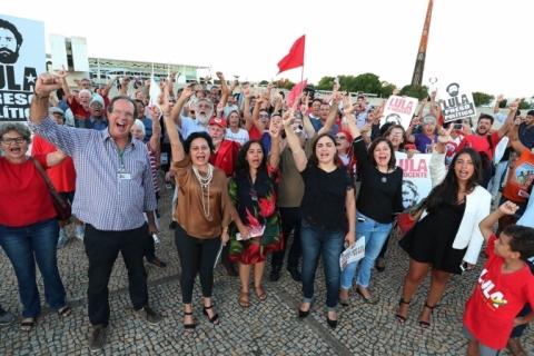 Análise de riscos foi o que mais pesou para PF ir contra Lula em enterro