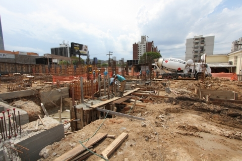 Crédito imobiliário cresce 36% e atinge R$ 6,7 bilhões em julho, diz Abecip