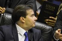 Partidos pressionam Maia por cargos no governo