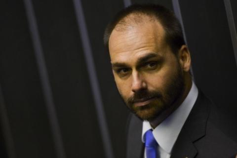 Deputados de oposição movem queixa-crime contra Eduardo Bolsonaro por 'novo AI-5'
