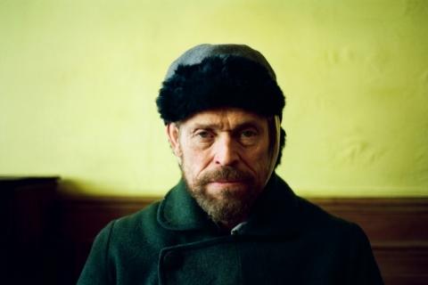 Willem Dafoe interpreta Vincent Van Gogh no longa 'No portal da eternidade'