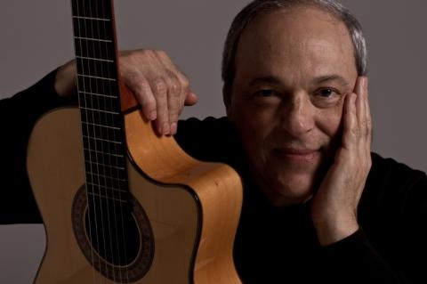 Toquinho realiza shows no Theatro São Pedro neste final de semana