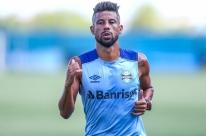 Léo Moura volta aos treinos e Grêmio inicia preparação para pegar o Avenida