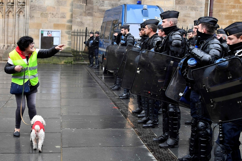 Divulgação 'mal-intencionada' de imagens da polícia é punida com um ano de prisão e multa