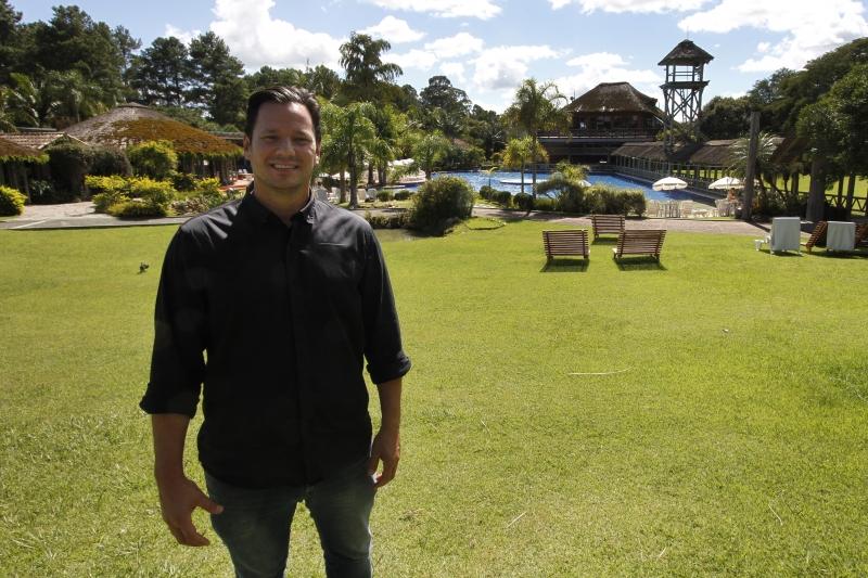 Paulo, que já atuou em 35 países, gerencia o Vila Ventura