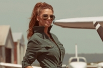Giovana Duval estrela a campanha da Anzetutto