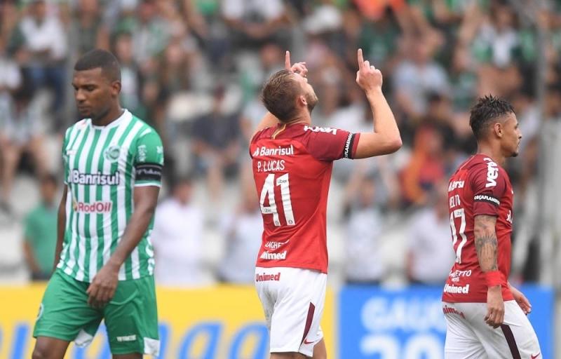 Pedro Lucas comemora o segundo no jogo com a vitória do Internacional no Alfredo Jaconi