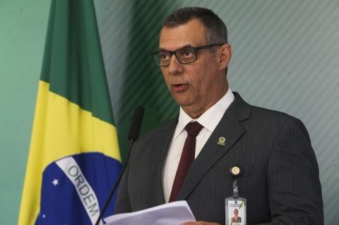 Porta-voz diz que Bolsonaro não comentou fuzilamento de carro de família no Rio