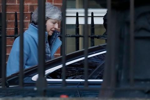 Votação amplia chances de Brexit sem acordo