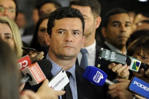 Políticos de oposição criticam decisão de Moro de exonerar Ilona Szabó