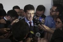 Investigado, ministro do Turismo diz que não vê razão para se afastar do cargo