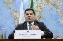 Alcolumbre se diz satisfeito com diálogo entre Bolsonaro e partidos