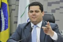 Senadores pedem dados da Previdência para Ministério da Economia