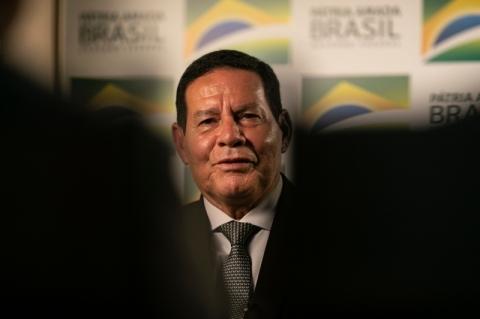 Mourão diz acreditar em aprovação da reforma na terça ou na quarta-feira