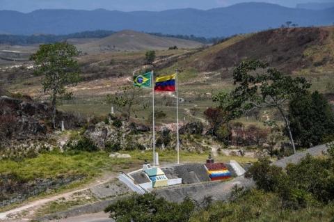 Fechamento de fronteira com a Venezuela paralisa comércio em Pacaraima