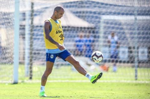 Diego Tardelli pode estrear com a camisa tricolor
