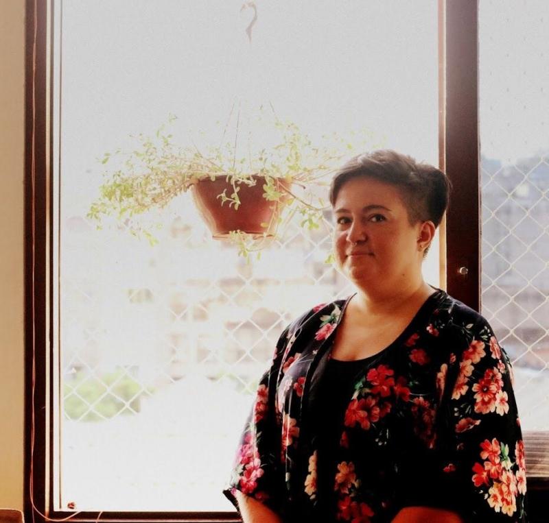 Bruna Antunes, fundadora do projeto Bordado Empoderado