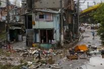Chega a 12 o número de mortos por causa de forte chuva em SP