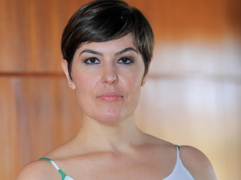 Juliana Biolchi é especialista em Direito Empresarial e Tributário