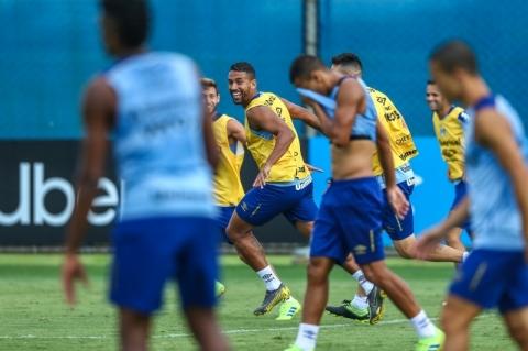 Grêmio terá força máxima diante do Libertad nesta terça