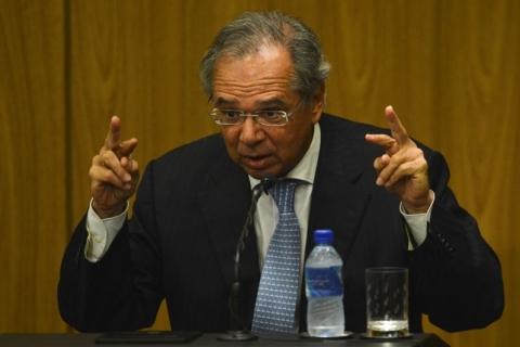 Ideia é transferir 70% dos recursos do pré-sal a Estados e municípios, diz Guedes