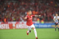 Presidente do Inter critica pena a Nico López e promete time reserva no Grenal