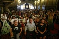 Missa de 1 ano da morte de Marielle é marcada por emoção no Rio