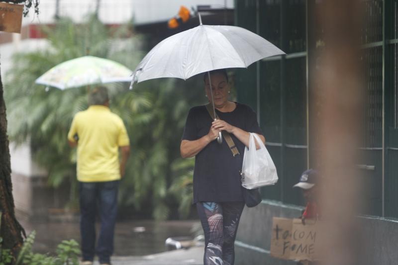 Domingo chuvoso marcou último fim de semana da estação mais quente do ano