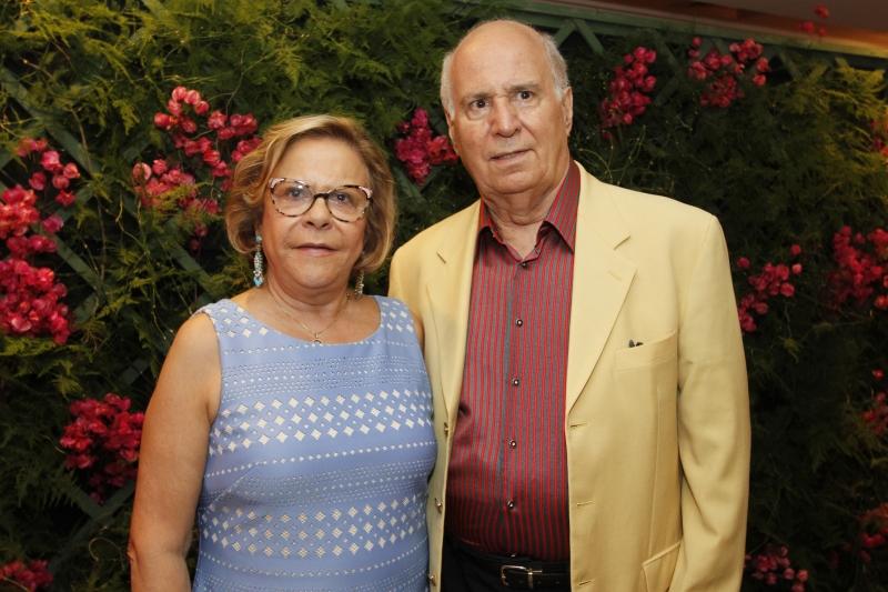 Maria Beatriz e João Ferreira no aniversário de Odalgir Lazzari, que contou com música ao vivo de  Clauber Souza e Ismael Gomes