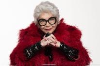 Nathalia Timberg vive ícone da moda em espetáculo teatral 'Através da Iris'