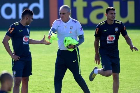 Auxiliar de Tite diz já ter o time titular em mente para a Copa América
