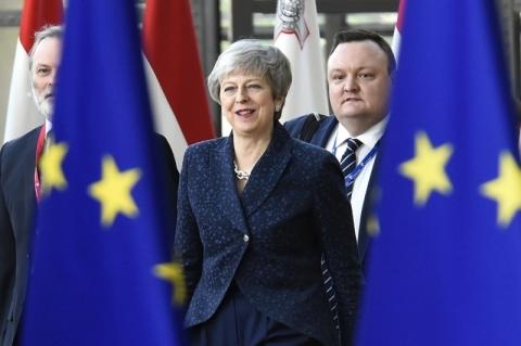 May aceita deixar o poder em troca de concretização do Brexit