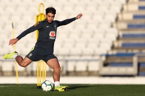 Estreando como titular do Brasil, Paquetá promete enquadrar camisa 10