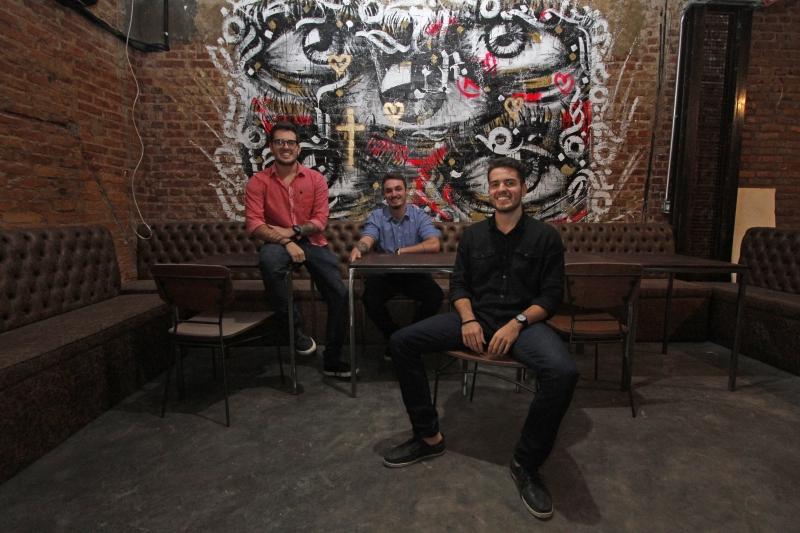 Artur, Filipe e Pedro inauguraram o Wills Bar, na avenida Nova York